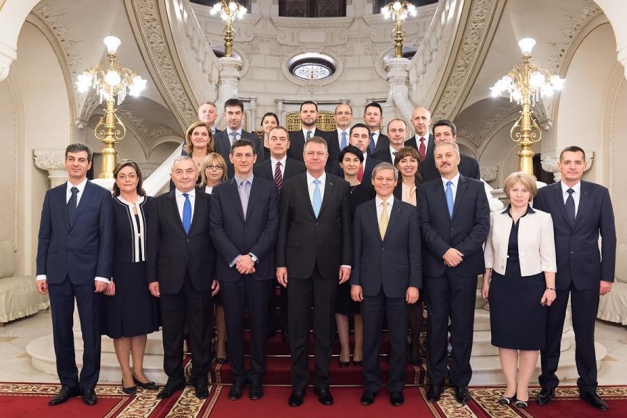 Președintele și Guvernul Cioloș, la Cotroceni
