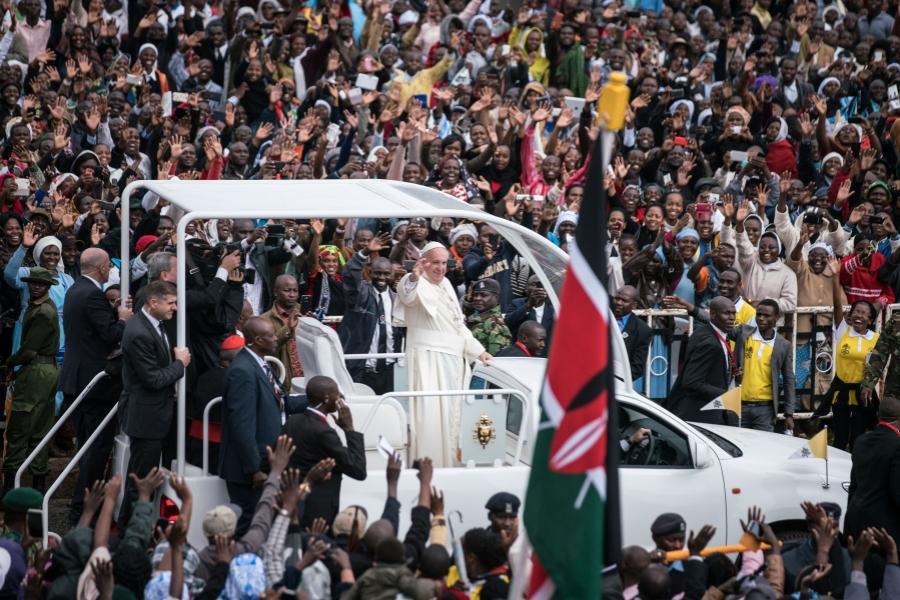 Papa Francisc face prima sa vizită în Africa
