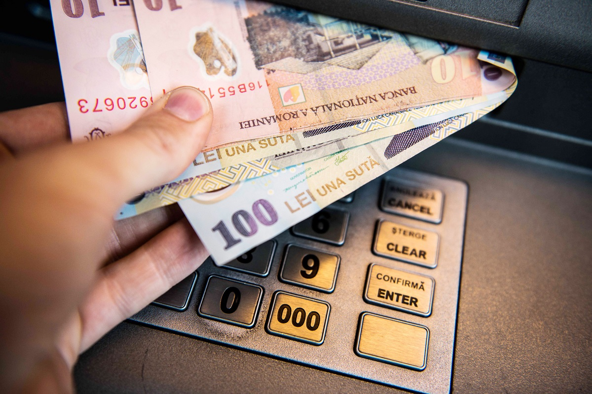învățați cum să faceți bani)