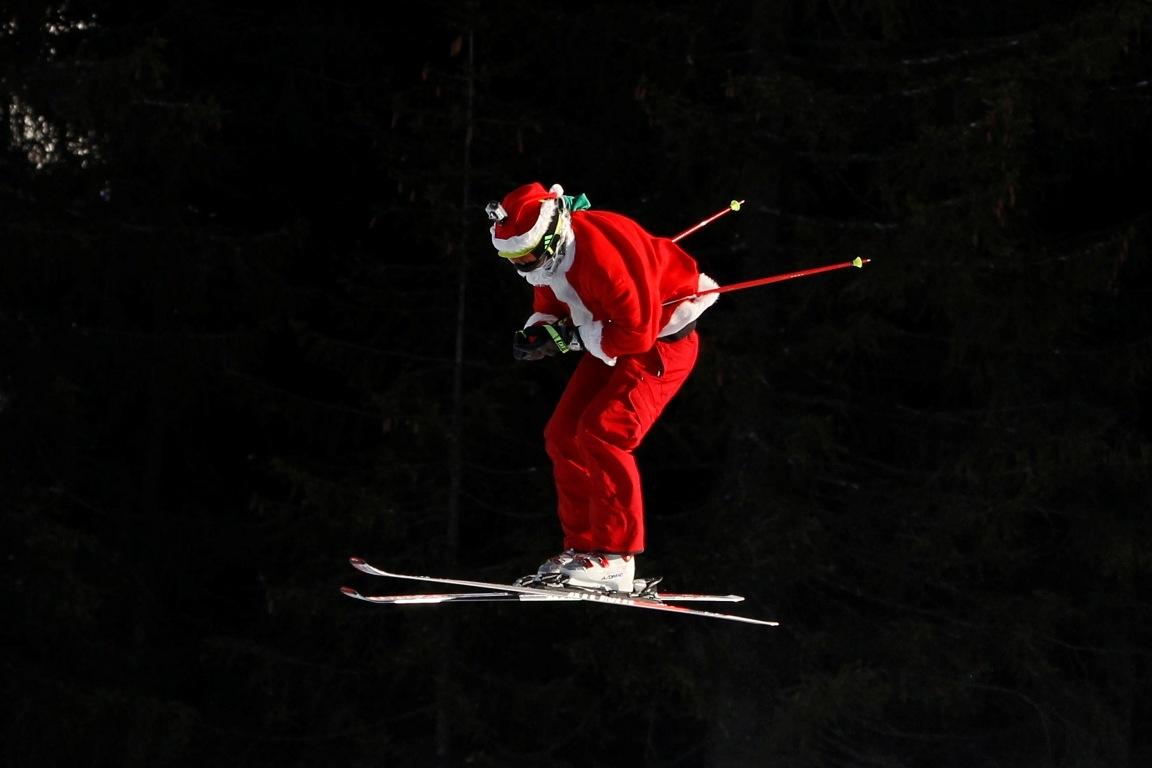 Moșul pe schiuri