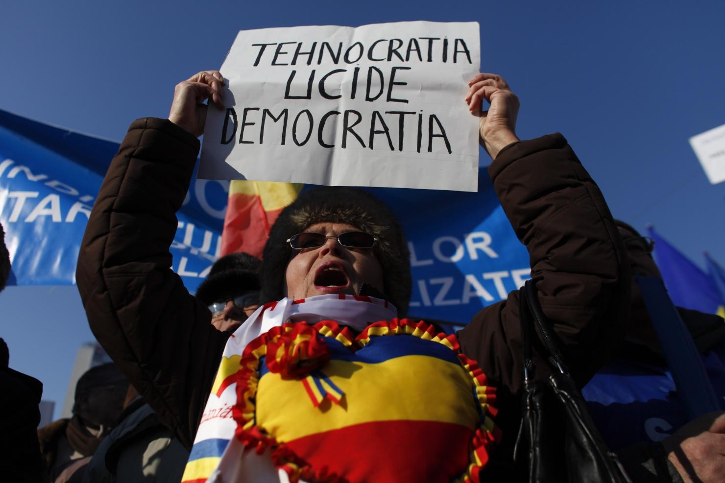 PROTEST - MILITARI IN REZERVA - PIATA VICTORIEI