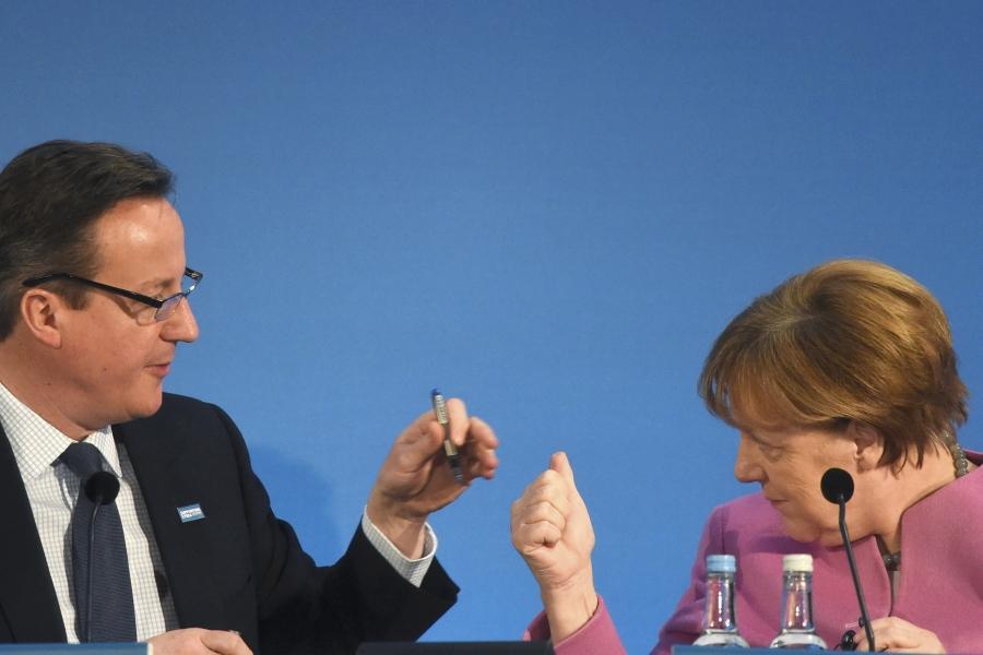 Merkel și Cameron la conferința de presă