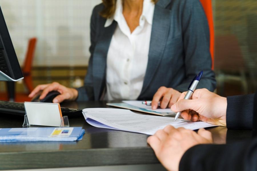 Relația dintre client și bancă