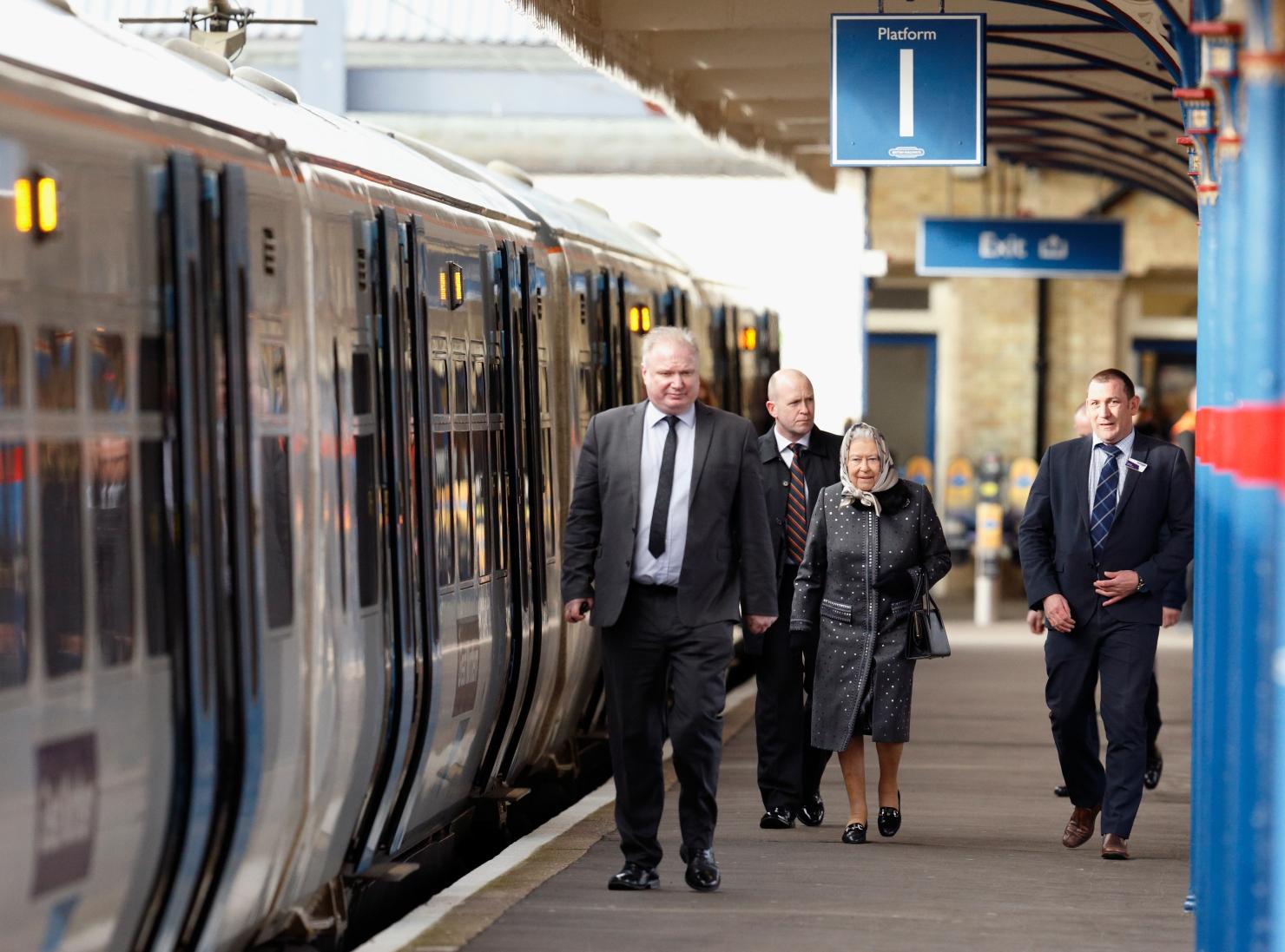 Regina cu trenul