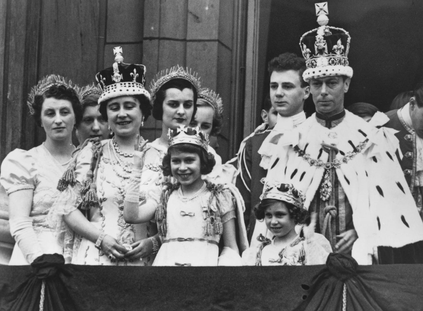 Regina Elisabeta a II-a, 1937