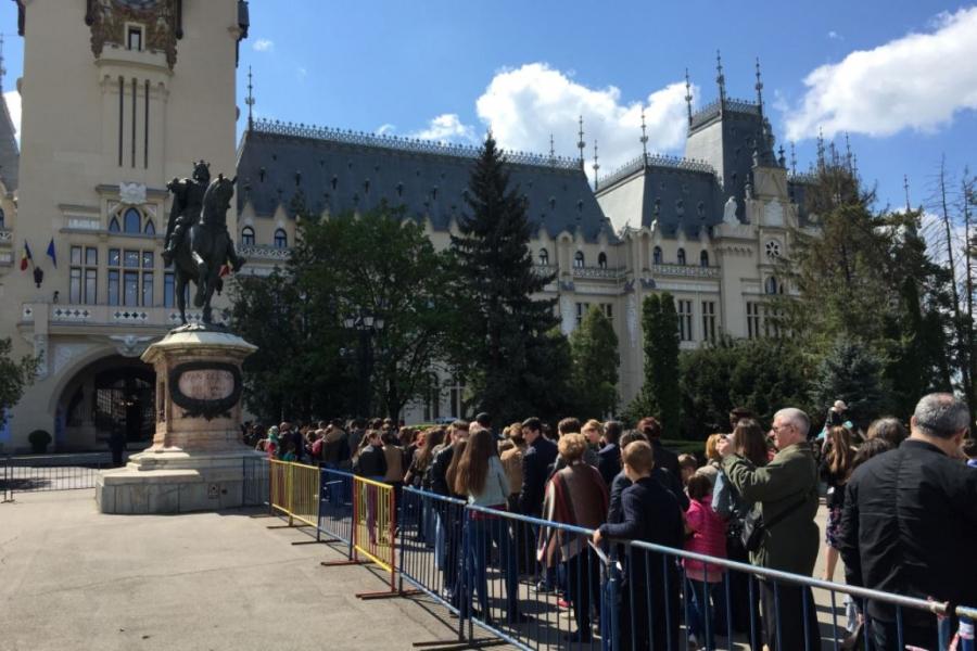 Palatul Culturii, Iași în prima zi de vizitare