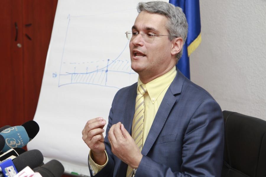 Imagini pentru poză cu ministrul muncii paslaru