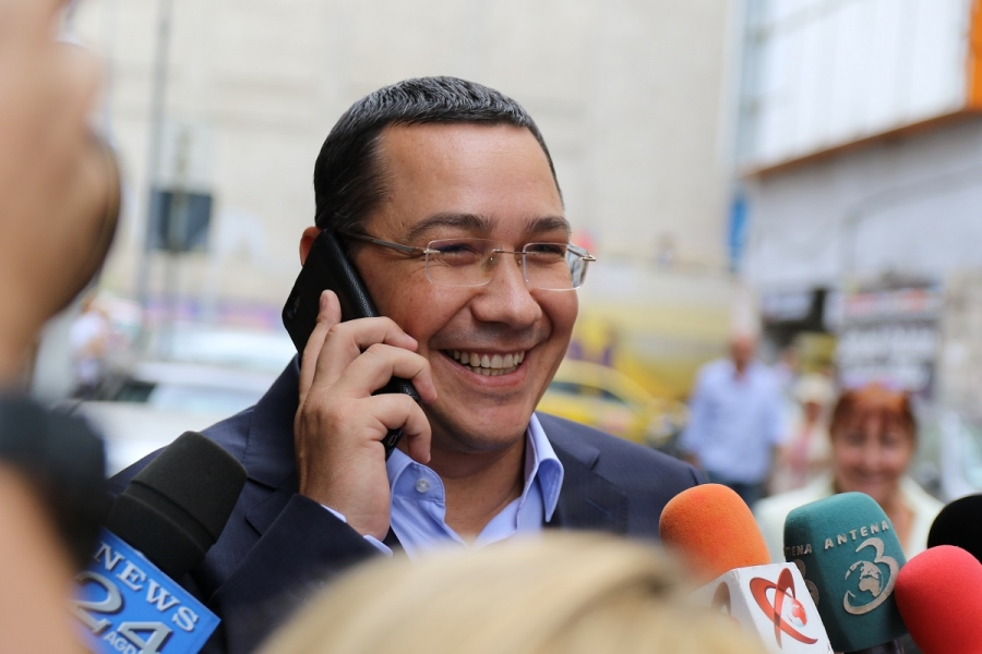 Victor Ponta vesel