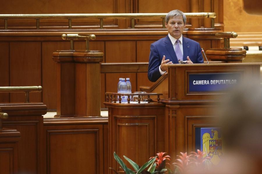 Dacian Cioloș în fața Parlamentului