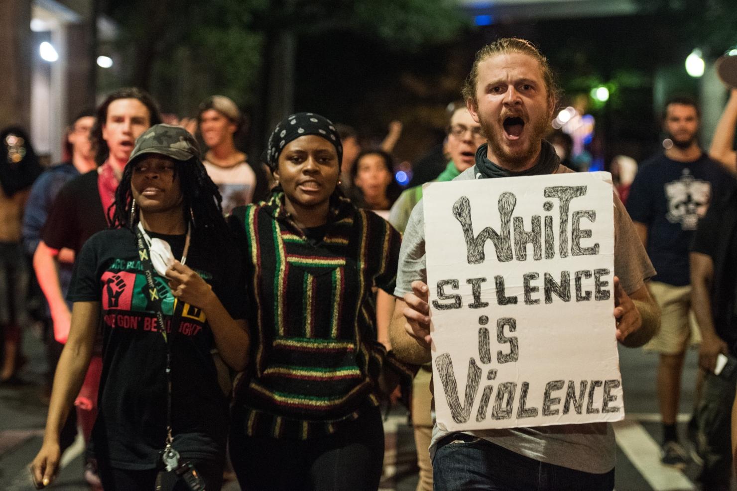 Proteste la Charlotte