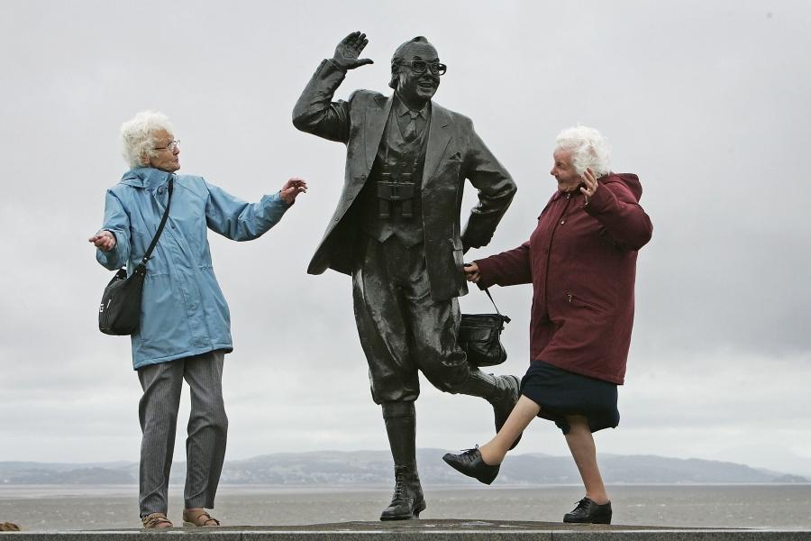 Pensionari fericiți