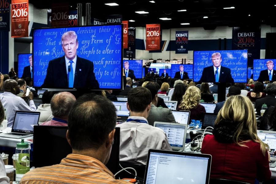 Donald Trump pe ecran