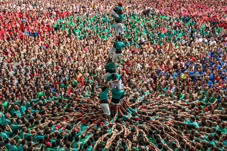 Imagini spectaculoase de la competiția turnurilor făcute din oameni