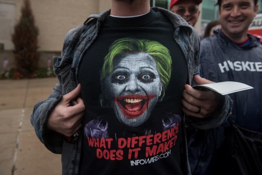 Tricou Hillary
