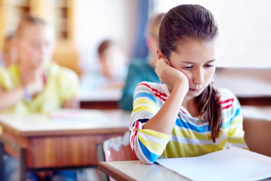 Copil nefericit la școală