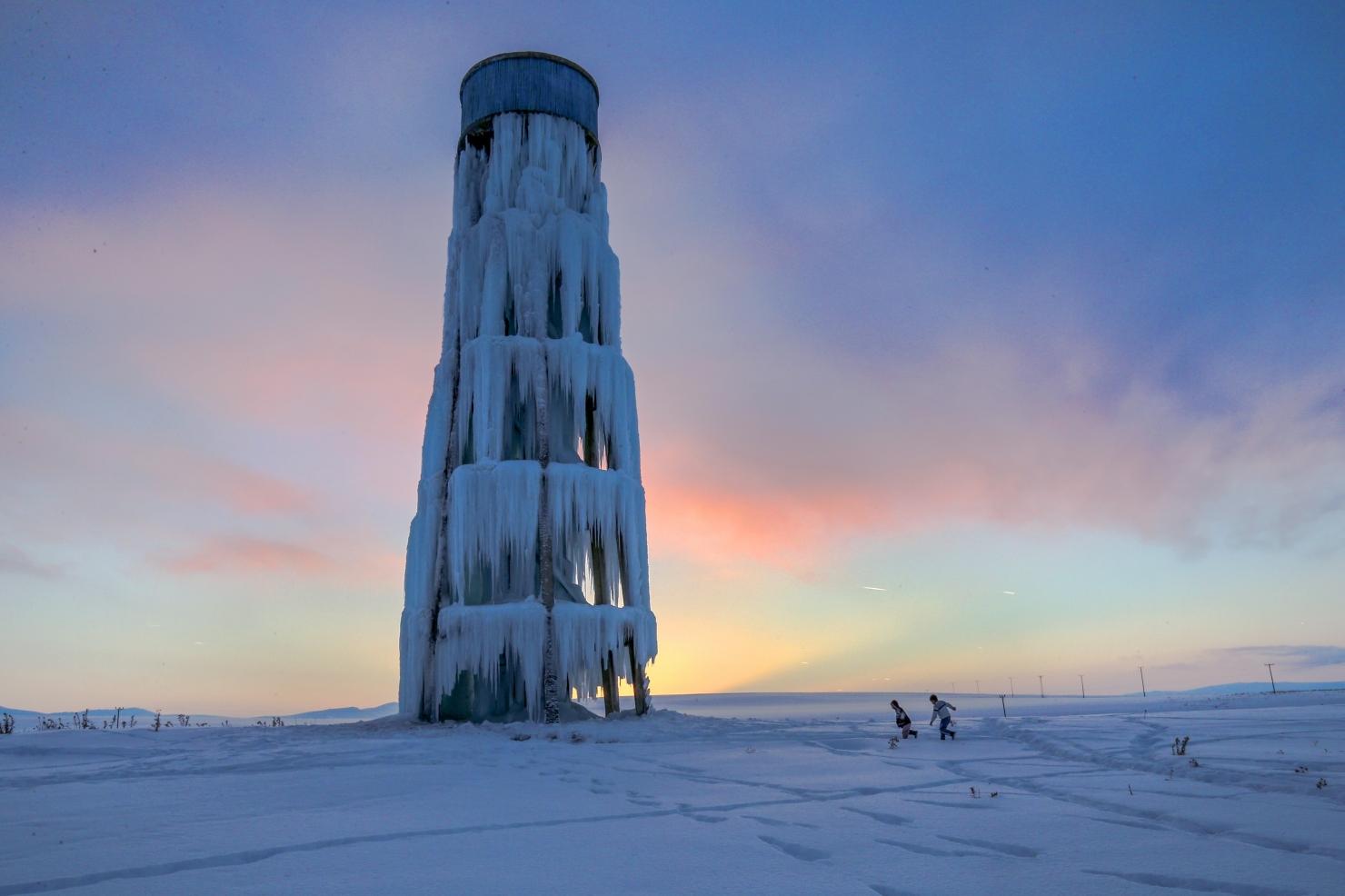 Turnul înghețat