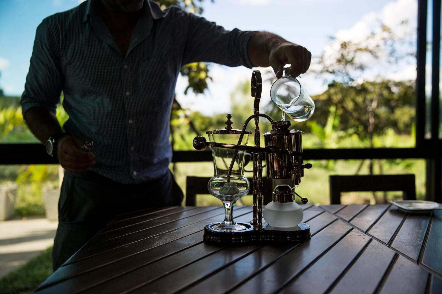 Cafea parțial digerată de elefanți