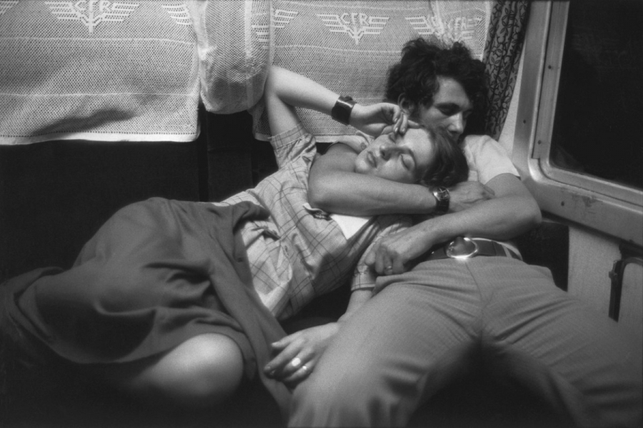 Cuplu în tren (Foto: Henri Cartier-Bresson)