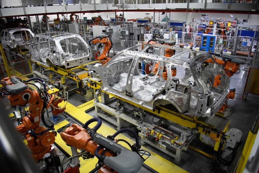 Roboți și mașini