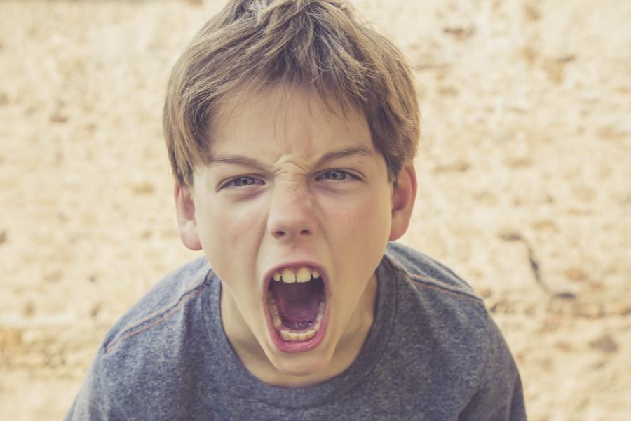 Băiat furios