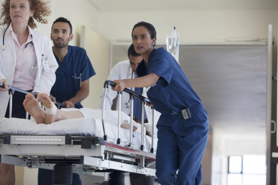 Medici în spital
