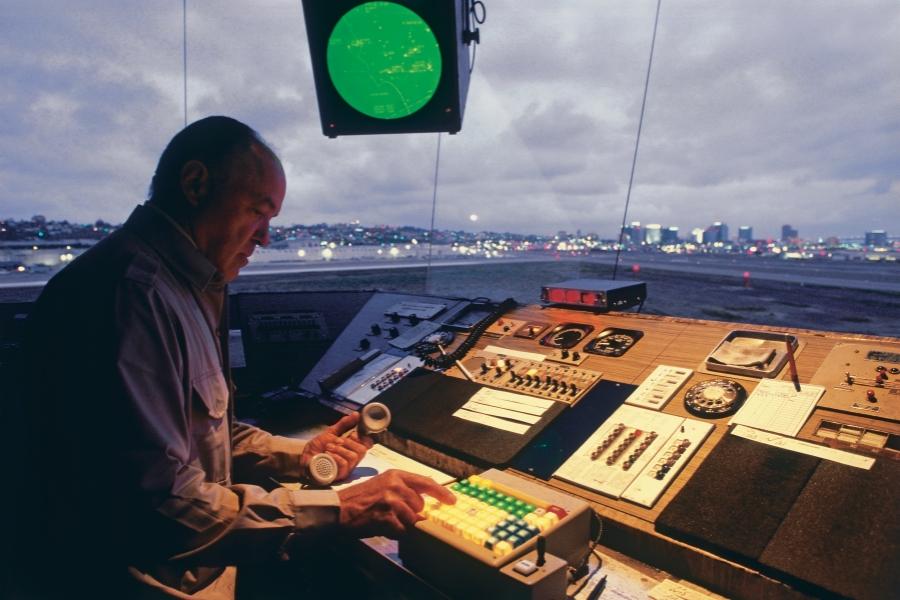 controlor de trafic aerian