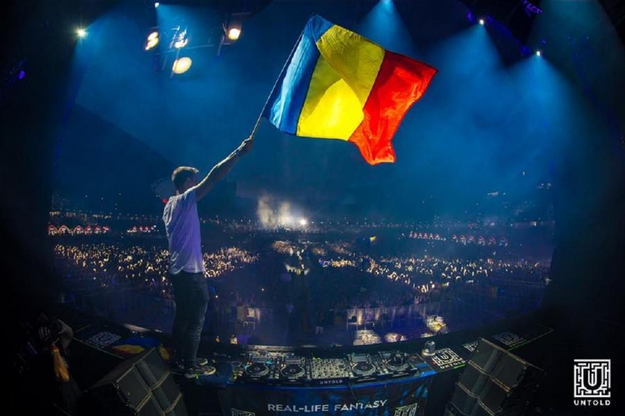 Armin van Buuren la Untold 2017