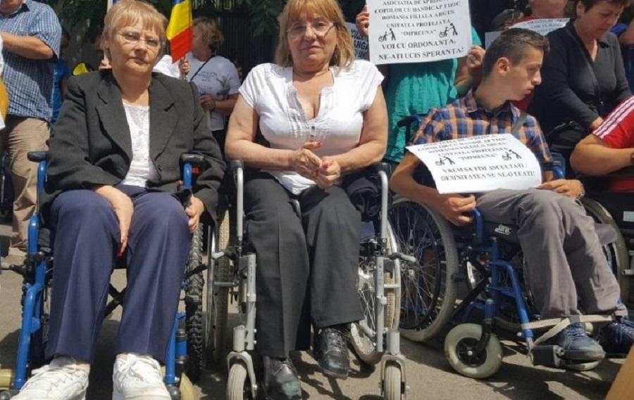 Protest persoane cu handicap