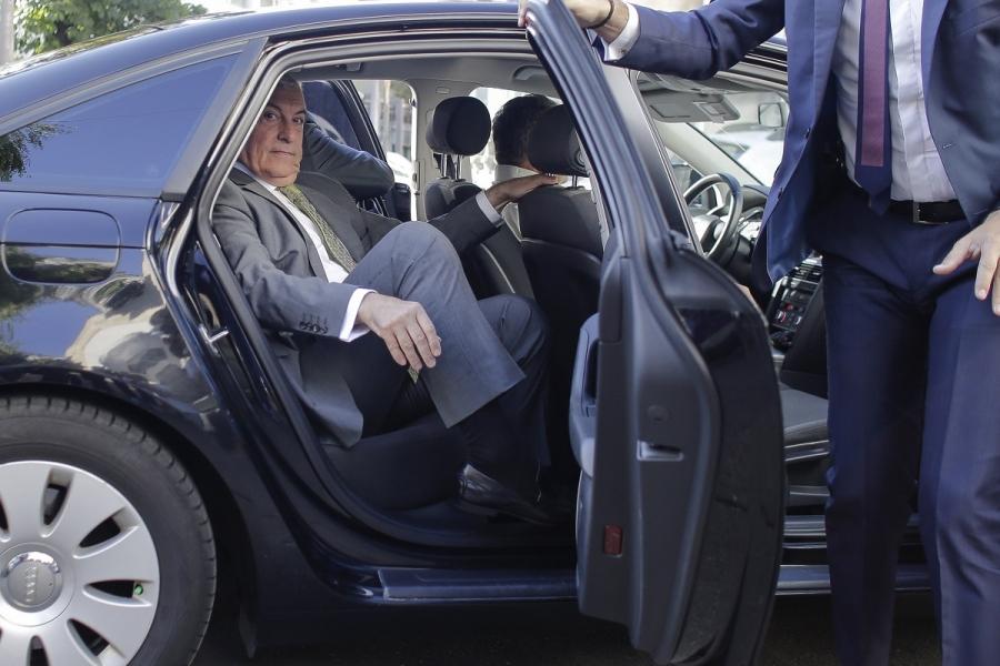 Călin Popescu Tăriceanu - mașină (Foto: Octav Ganea/ Inquam Photos)