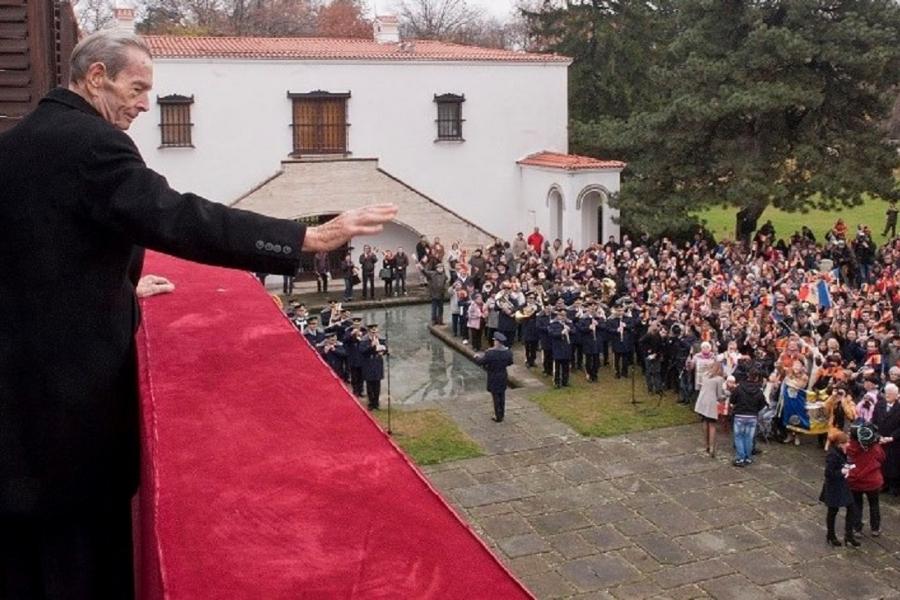 Regele Mihai - Casa Regala -