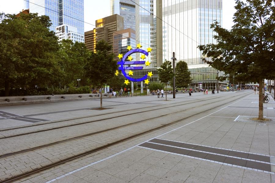 aderare zona euro