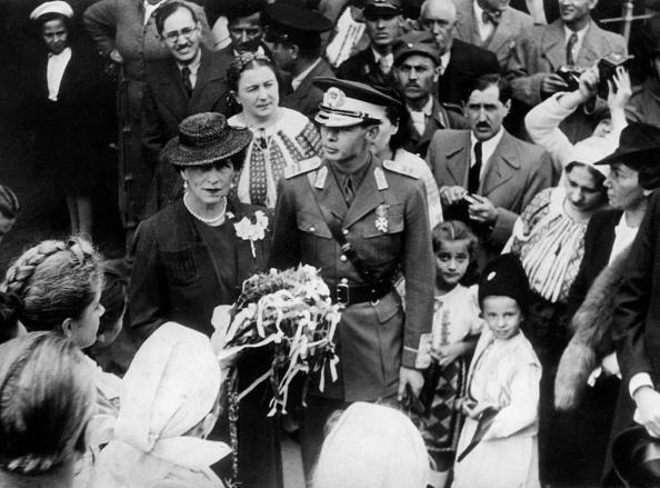 Regele Mihai alături de mama sa