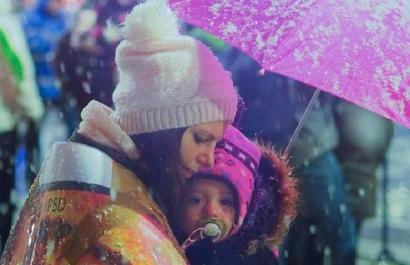 Mama și copil la protest, 20 ianuarie