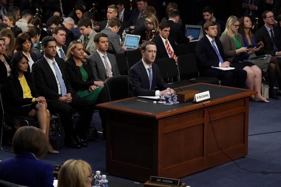 Mark Zuckerberg in Senatul SUA