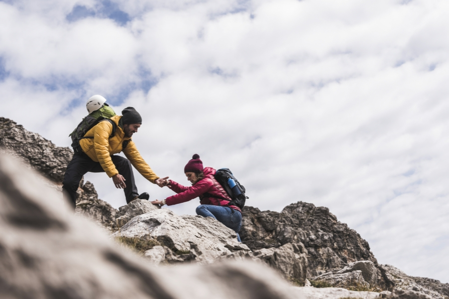Cățărare pe munte