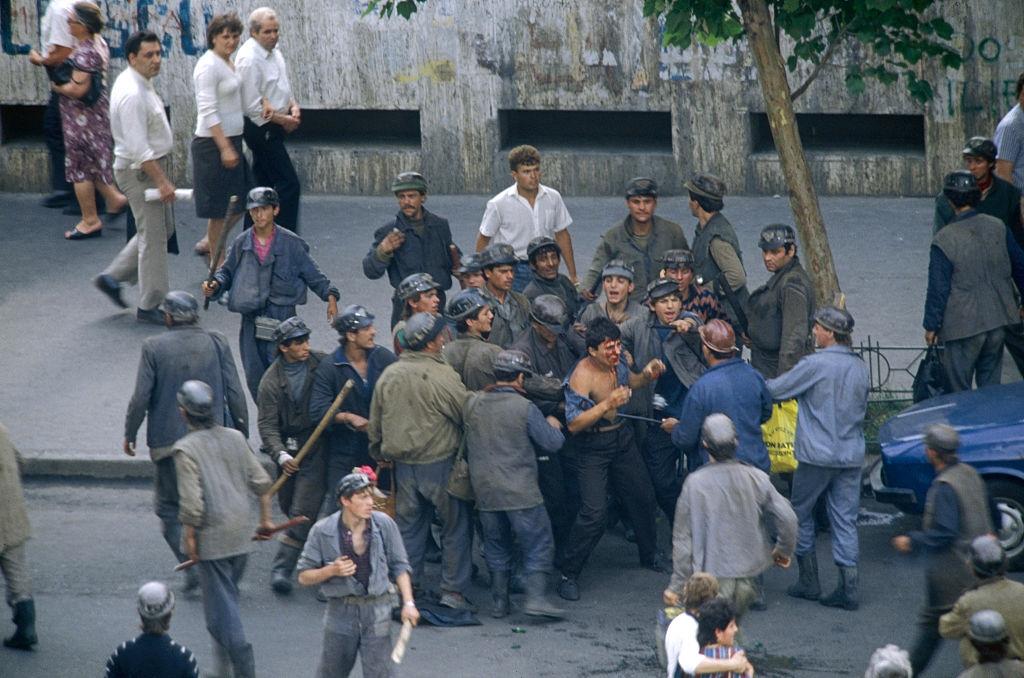 Main 13-15 iunie 1990