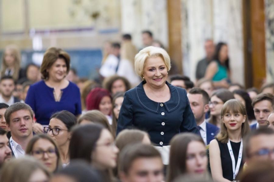 Viorica Dăncilă, internship Guvern