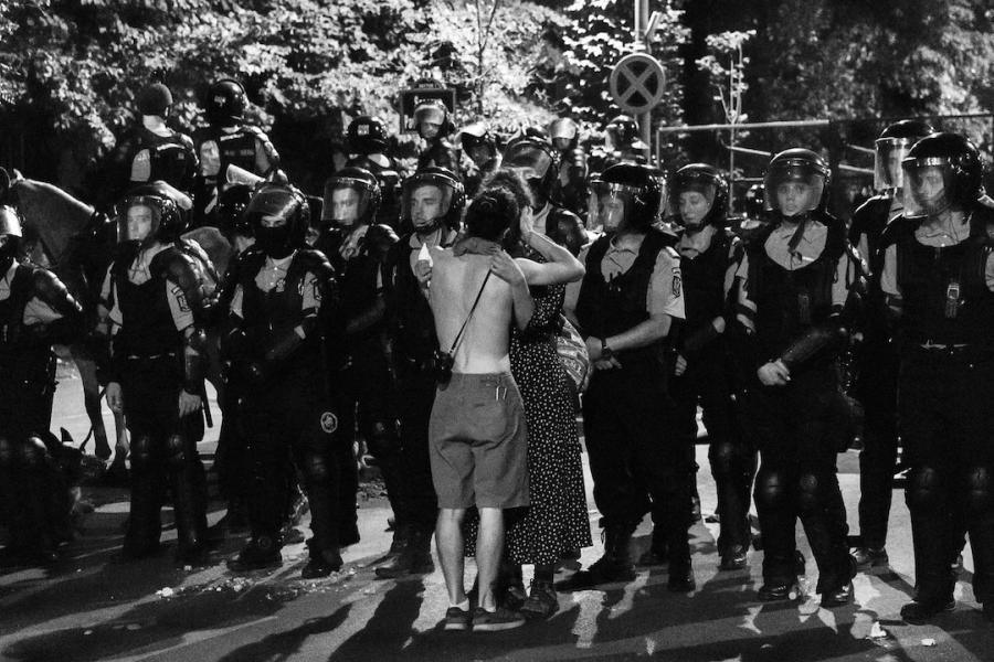 Sărutul din Piața Victoriei