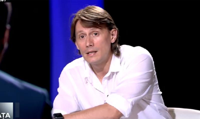 Marius Manole - In fata ta