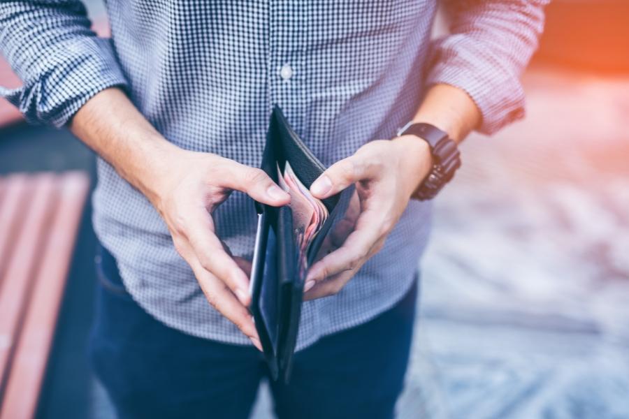 Bărbat, portofel