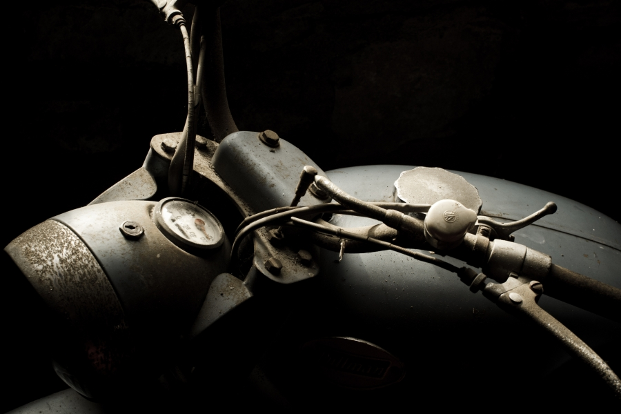 Motocicletă veche