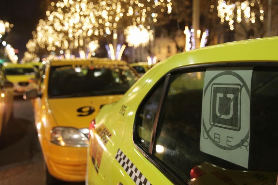 Taxi vs Uber