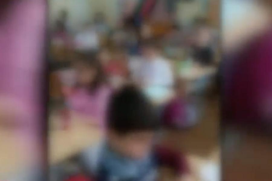 Copii într-o clasă