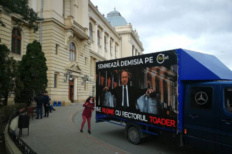 Tudorel Toader - protest Iasi