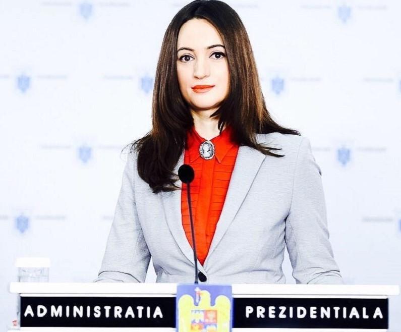 Mădălina Dobrovolschi - FB