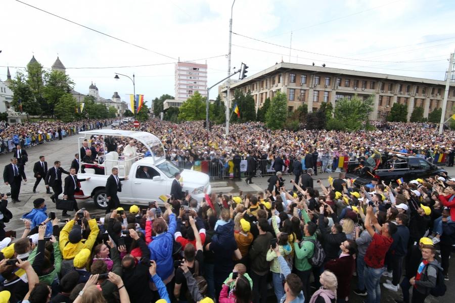 Papa la Iași
