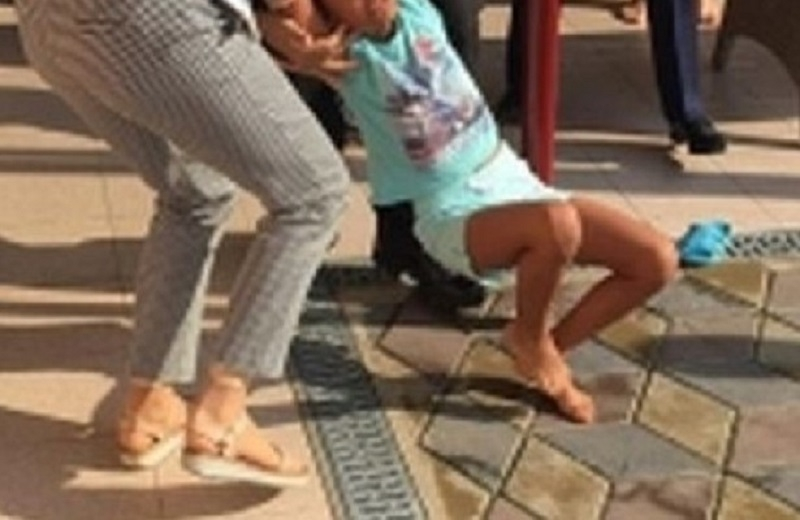 fetita luata de Politie