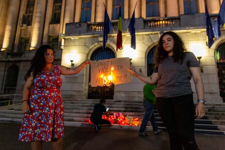 Protest femei MAI