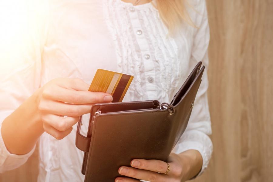 Card și portofel