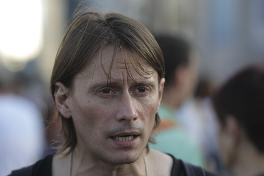 Marius Manole în Piața Victoriei